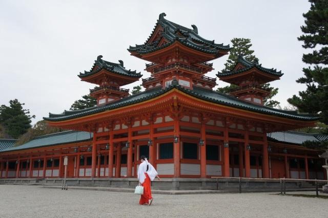【日本人と日本文化】日本人にとって神様とは