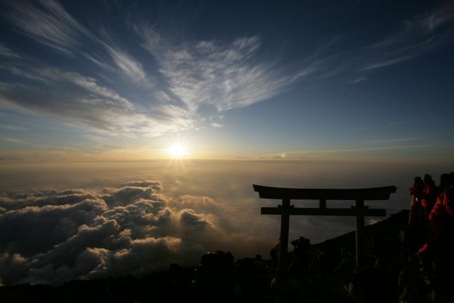 富士山頂からの初日の出